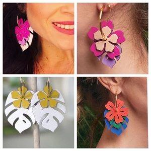 Stella & Dot Botanical Earring Set